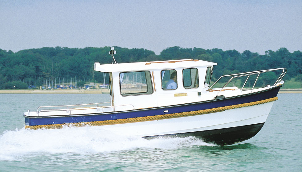 Hardy-24-sea-fishing-wheelhouse-boat