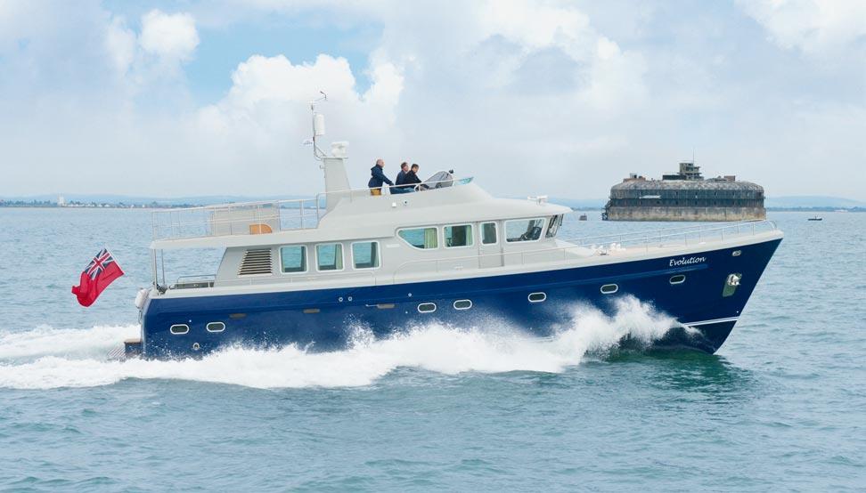 Hardy 62 motor yacht hull01