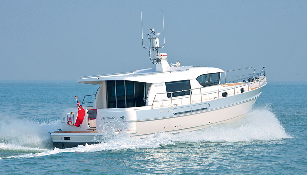 Hardy marine british built motor boats and motor yachts for Outboard motor for canoe