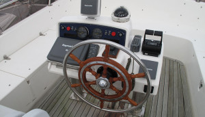 Hardy Commodore 42 used motor boat wheel