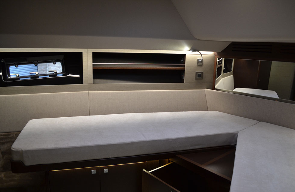 'Scissor' berth in the forward VIP guest cabin